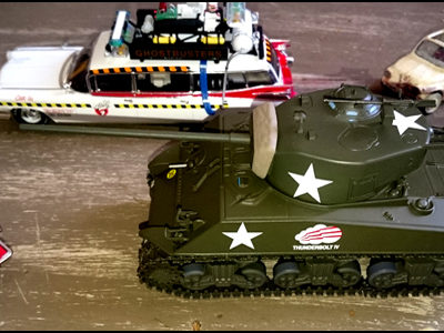 UN SHERMAN SUR LE PARKING